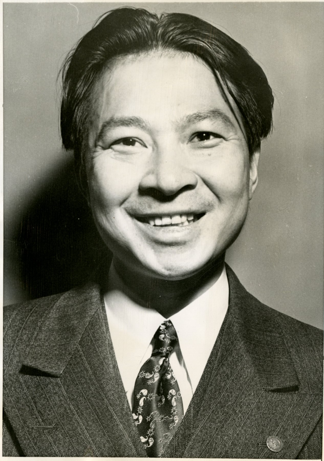 05 August 2019 Posted. Yun Gee Headshot; Courtesy of Alex Jay, Museum of Chinese in America (MOCA) Collection. 朱沅芷证件照;Alex Jay捐赠,美国华人博物馆(MOCA)馆藏
