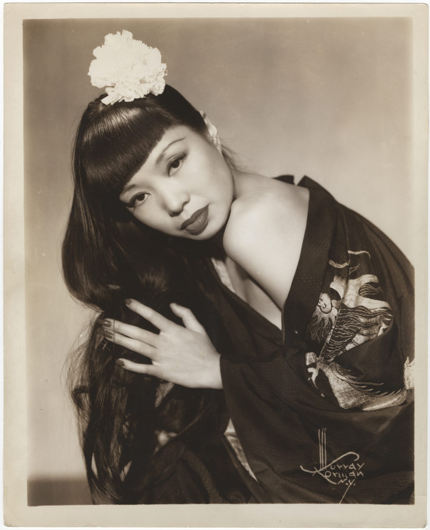 17 May 2019 Posted. Jadin Wong at Leon & Eddi's NY in 1941, Courtesy of Wally Wong, In memory of Jadin Wong, Museum of Chinese in America (MOCA) Collection. 1941年黄美玉(Jadin Wong)在纽约Leon & Eddi's夜总会,Wally Wong捐赠,纪念Jadin Wong,美国华人博物馆(MOCA)馆藏