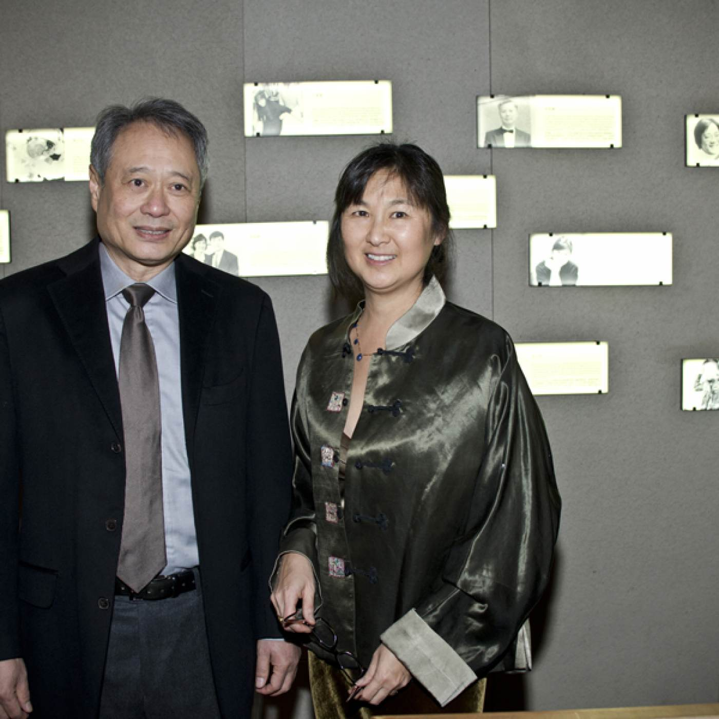 07 June 2019 Posted. Ang Lee and Maya Lin at MOCA's 2014 Lunar New Year Dinner, Museum of Chinese in America (MOCA) Institutional Archives. 李安和林璎在2014年MOCA的农历新年慈善晚宴上,美国华人博物馆(MOCA)机构档案