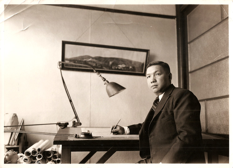 12 July 2019 Posted. Poy Gum Lee at a drafting table, Courtesy of the Lee Family, Museum of Chinese in America (MOCA) Collection. 李锦沛坐在绘图桌旁,李锦沛家族捐赠,美国华人博物馆(MOCA)馆藏