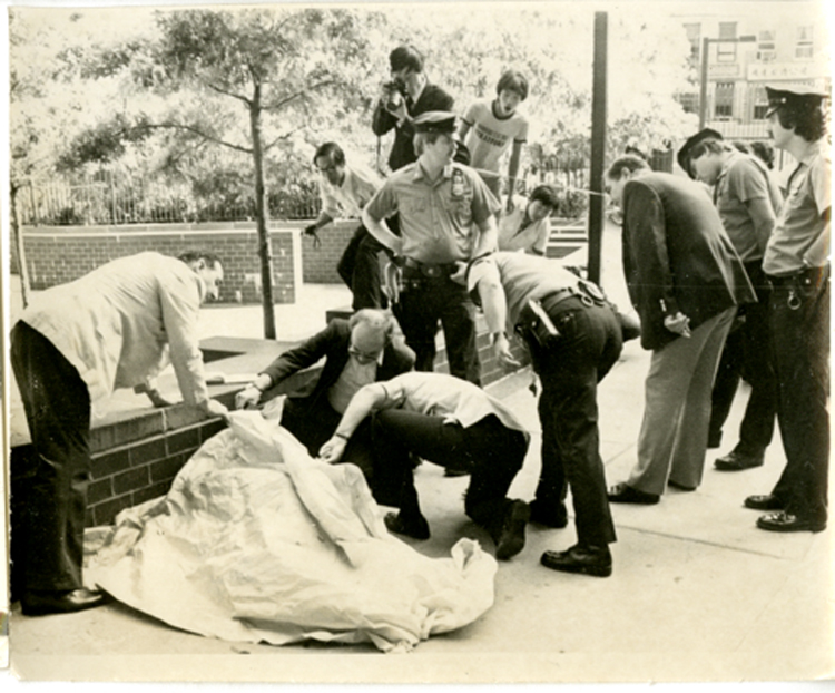 04 September 2019 Posted. Aftermath of gang violence at Confucius Plaza, 1981, Photograph taken by Emile Bocian, Museum of Chinese in America (MOCA) Collection. 1981年,孔子大厦,帮派斗殴之后,包信摄影,美国华人博物馆(MOCA)馆藏