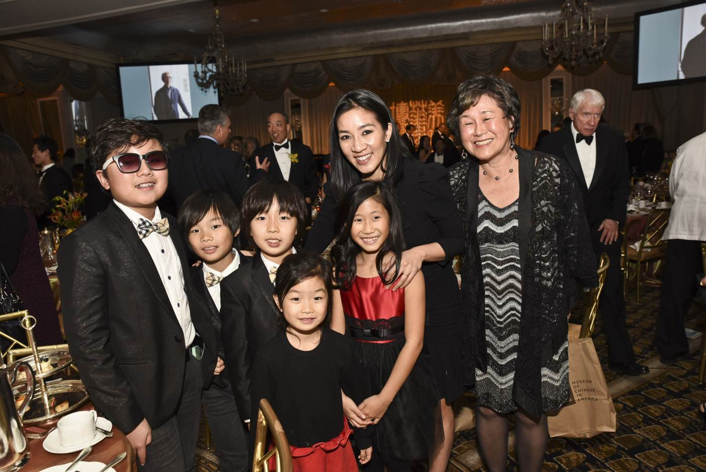 23 August 2019 Posted. Joyous String Quartet, Michell Kwan, and MOCA Board Member Sandy Lee at the 2015 MOCA Legacy Awards Gala, Museum of Chinese in America (MOCA) Institutional Archives. Joyous String Quartet乐队、关颖珊和MOCA董事会成员Sandy Lee在2015年MOCA年度传承颁奖晚宴上,美国华人博物馆(MOCA)机构馆藏