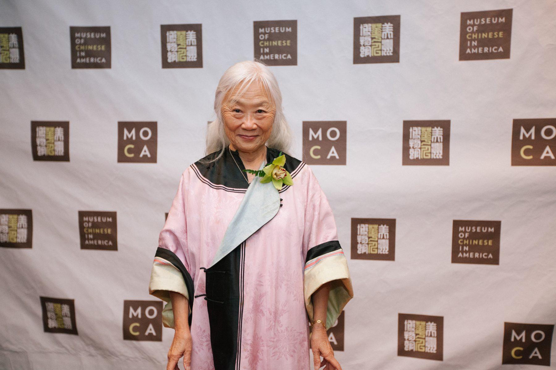 15 October 2019 Posted. Maxine Hong Kingston at MOCA's 2018 Gala, Museum of Chinese in America (MOCA) Institutional Archives. 汤婷婷在2018年MOCA年度传承大奖颁奖晚宴上,美国华人博物馆(MOCA)机构档案