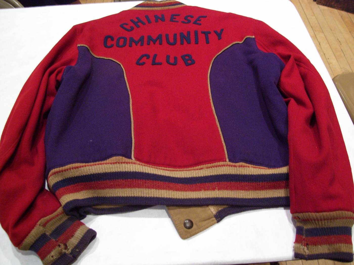 02 October 2019 Posted.  CCC sponsored basketball team jacket, ca. 1960, Courtesy of Tim Tsang, Museum of Chinese in America (MOCA) Collection. 由华人社区俱乐部支持的篮球队夹克衫,大约1960年,Tim Tsang捐赠,美国华人博物馆(MOCA)馆藏